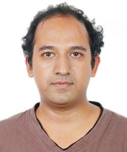 Dr. <br> Vijay Srinivasan